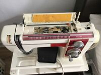 Sewing machine heavy duty all acc lots of feat