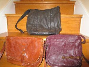 lot de sacoches en cuir ou imitation on peut vendre séparément