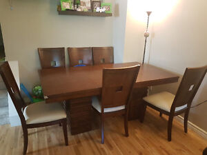 7pieces Costco Dinning Table Set