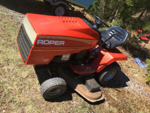 "16 HP Roper Garden Tractor (ride on mower) with 44"" Deck"