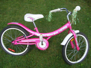 Girl's Cream Soda bike (Truro)  .