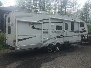 2012, Fifthwheel Travel Star Galaxy Deluxe, jacks électriques,