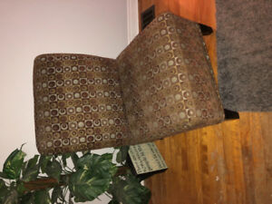 Accent chair, great condition!
