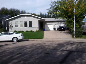 3 Bedroom all-inclusive in Lacombe