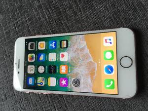 iPhone 7 128G rose déverrouillée débarré 438-345-6300