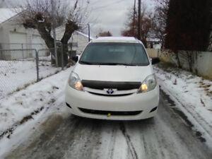 2010 Toyota Sienna CE Minivan, Van AWD