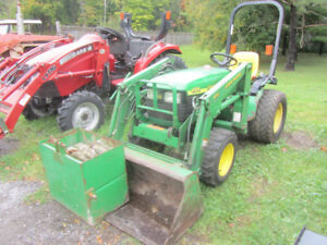JD 4100 COMPACT TRACTOR LOADER and MOWER