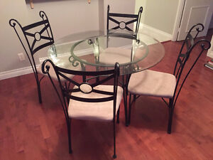 Dining table with 4 chairs (glass & metal)
