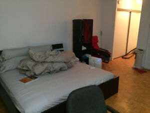 Transfer Lease 2 1/2 downtown Montreal, 5 mins walk to Concordia