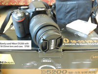 Nikon D5200 w/ 18-55 mm lens and case