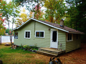 LMD: $450 OFF! Classic Family Cottage, Pristine Sandy Beach