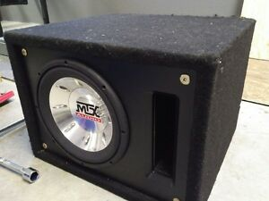 """10"""" MTX Sub in bandpass box with 600w Rockford Amp 201s"""