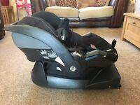 iZi Go BeSafe car seat and Isofix base