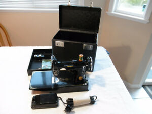SINGER FEATHERWEIGHT SEWING MACHINE 1937 MODEL