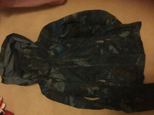BRAND NEW CONDITION WORN ONCE WOMENS BENCH BBQ JACKET SIZE S