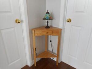 Table de coin en bois