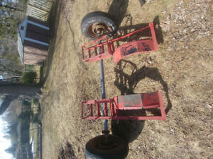 Trailer axle asking 50 needs new rubber