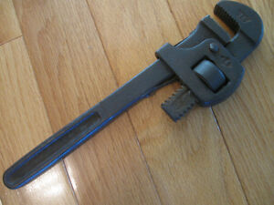 OLD VINTAGE 14 ln. CANADIAN-MADE ADJUSTABLE PIPE WRENCH