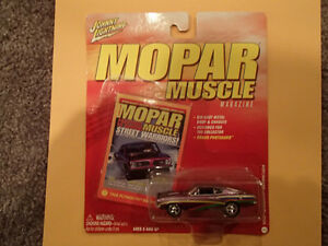 JOHNNY LIGHTNING - MOPAR MUSCLE - 1968 PLYMOUTH BARRACUDA Sarnia Sarnia Area image 1
