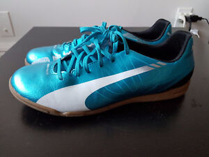 Soccer shoes / Puma Speed 5