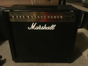 MARSHALL MG100 DFX AMP