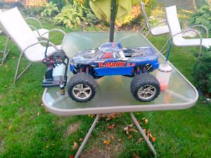 Traxxus tmaxx 3.3 rc truck and parts