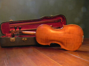A vintage Guarneri violin with an amazing carved scroll pattern Kitchener / Waterloo Kitchener Area image 2