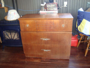 1950 chest of drawers