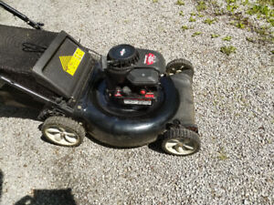 Yard Machines lawn mower with 158 cc