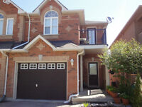 Beautiful large open concept 3Bedroom+Den house in Richmond Hill