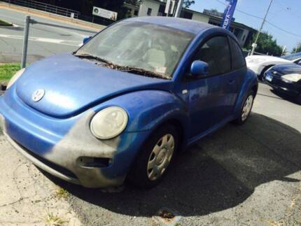 Wrecking Volkswagen Beetle Coupe Automatic 2001