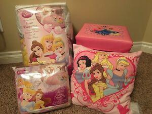 Disney Princess twin bedding & storage cube Strathcona County Edmonton Area image 1