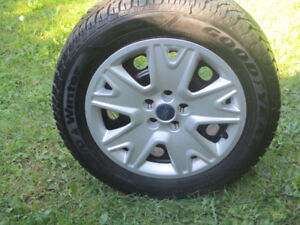 FORD ESCAPE  WINTER TIRES + RIMES  235/55/17