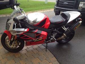 Honda RC51 2003