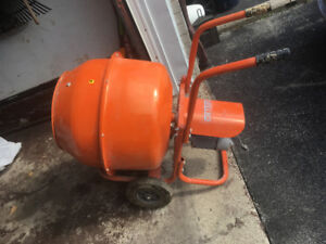 Brand new Concrete Mixer with Stand
