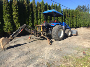 New Holland Tractor 4x4 with loader and Backhoe