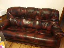 Oxblood leather sofa 3+1+1