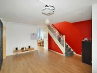 3 bedroom house in Culloden Close, Bermondsey SE16