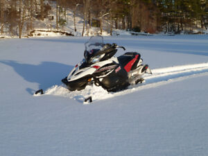2013 Yamaha Apex SE - Only 5600 km & Immaculate condition
