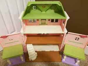 FISHER PRICE Doll House  Moose Jaw Regina Area image 2
