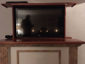 """Retractable Flat Screen TV Stand (Fits up to 40"""")"""