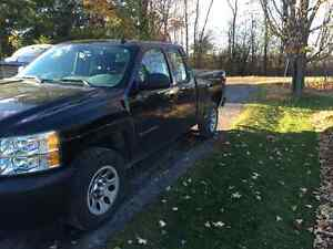 2012 Chev Silverado 1500 LS Pickup Truck SAFTIED AND ETESTED!!!!