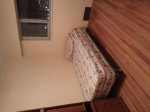 Private Fully Furnish Bedroom by Brentwood Skytrain