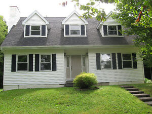 Potential Potential ! Open House Sun, Oct. 23, 2-4 pm