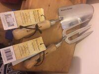Brand new unused Kent & Stowe hand fork & trowel