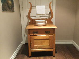 Vintage Pine Dry Sink *** Chamber Pot included!