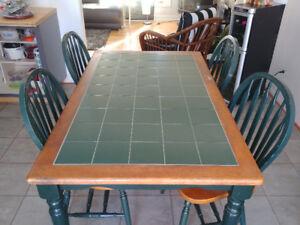 Table en bois véritable et céramique