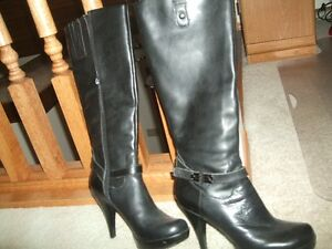Guess Leather Boots (Size 8M)