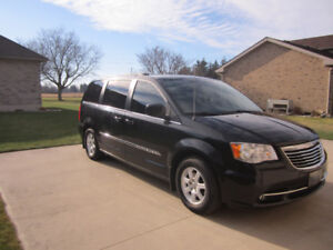 Chrysler Town & Country Van
