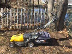 YARDWORX LAWN MOWER! GOOD SHAPE!